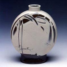 Choi Seong-Jae, Korean ceramics http://www.veniceclayartists.com/korean-ceramic-arts-traditional-meets-contemporary/