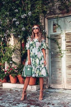Photo September 15 2019 at womens fashion style hats shoes minimal simple dress ootd summer comfortable for her ideas tips street Short Summer Dresses, Summer Outfits Women, Mini Dresses, Curvy Women Fashion, Womens Fashion, High Fashion, Weekend Dresses, Dolce E Gabbana, Edgy Style