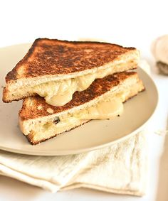 roasted garlic & gruyere cheese toasties