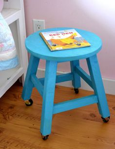I want to make this!  DIY Furniture Plan from Ana-White.com  Make your kids their very own stools! This DIY project is free and contains step by step instructions so you can build stools from wood boards!