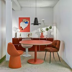"""The newly added Dumbbell collection by Estudio Sancal is a """"strong"""" exercise in design; a wide collection of tables inspired by the symmetry and power of dumbbells weights. Brand: Sancal Designer: Estudio Sancal Funky Furniture, Furniture Design, Metal Lattice, Clock Shop, Floor Murals, Small Basements, Red Walls, Modern Table, Branding Design"""