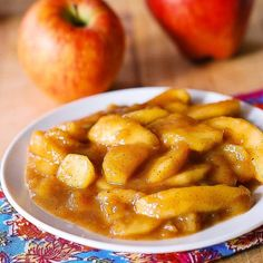 sweet cooked apples recipe with cinnamon nutmeg and vanilla - Fall Food - mini caramel apples Fruit Recipes, Apple Recipes, Desert Recipes, Fall Recipes, Cooking Recipes, Healthy Recipes, Apple Desserts, Grilling Recipes, Bread Recipes