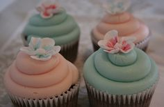 Teal & peach wedding cupcakes