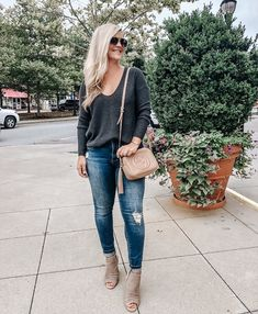 These hipster outfits show a combination of two or more styles, valuable time intervals, or civilizations. Hipster Outfits, Classy Outfits, Casual Outfits, Cute Outfits, Fashion Outfits, Fashion Clothes, Girly Outfits, Work Outfits, Fashion Ideas