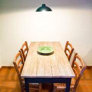 Mesa rústica hecha a mano