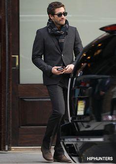 Jake Gyllenhaal - Look 3 http://www.hiphunters.com/magazine/2014/03/21/style-crush-jake-gyllenhaal/