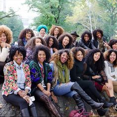 In love with the #blackgirlsolidarity that natural hair brings