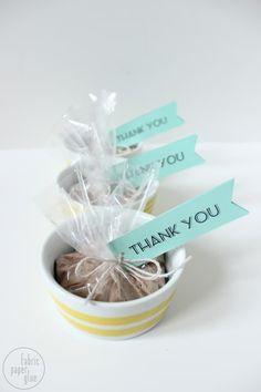 Mug Cake Baby Shower Favors :: Fabric Paper Glue Diy Shower, Shower Gifts, Shower Ideas, Baby Shower Games, Baby Boy Shower, Baby Showers, Diy Wedding Favors, Party Favors, Wedding Ideas