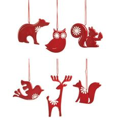 So cute! I could imagine a Christmas tree done up with pine cones and these little guys :)