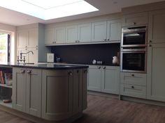 New kitchen black worktop sage Ideas Kitchen Units, Diy Kitchen Decor, Black Kitchens, Kitchen Bar Stools Diy, Green Kitchen Cupboards, Kitchen, New Kitchen, Diy Kitchen Backsplash, Modern Kitchen Interiors