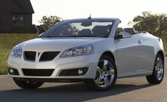 Pontiac Convertible Pontiac has announced that it is ringing in the new year with a fresh look for its best-selling line of mid-size vehicles. Moto Wallpapers, Pontiac Cars, American Auto, Car And Driver, Gto, Of Wallpaper, Old Cars, Dream Cars, Convertible