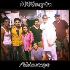 """#BBSnapOn Recently Amitabh Bachchan Visited On The Sets of Farah Khan's """"Happy New Year""""."""