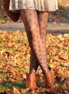 anchor tights-getting a pair like now! Look Fashion, Winter Fashion, Womens Fashion, Street Fashion, Fashion News, Corsets, Jeggings, Nylons, Pantyhose Heels