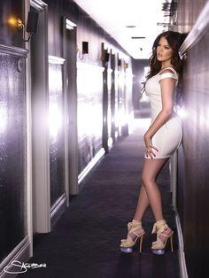 khloe kardashian my idol Kardashian Girls, Khloe Kardashian Style, Kardashian Family, Kardashian Jenner, Kardashian Fashion, Kardashian Kollection, Kylie Jenner, Gorgeous Women, Beautiful People