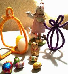 Petits Angelots: Décoration de dernière minute en tricotin! Christmas Ornaments, Holiday Decor, Home Decor, Last Minute, Spool Knitting, Paper Pieced Patterns, Decoration Home, Room Decor, Christmas Jewelry