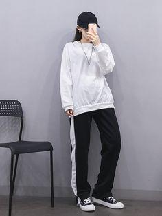 마리쉬♥패션 트렌드북! Korean Girl Fashion, Korean Fashion Trends, Korean Street Fashion, Ulzzang Fashion, Korea Fashion, Kpop Fashion, Asian Fashion, Aesthetic Fashion, Aesthetic Clothes