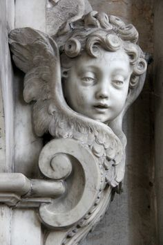 Angel sculpture from Amiens Cathedral Amiens, France Angels Among Us, Angels And Demons, I Believe In Angels, Cemetery Art, Mystique, Guardian Angels, Angel Art, Madonna, Sculpture Art
