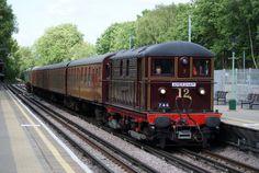 The 'Sarah Siddons'; one of early electric trains on the Metropolitan Line, Metro Subway, Roman Britain, History Of England, U Bahn, Electric Train, London Transport, Electric Locomotive, Vintage London