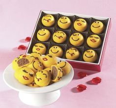Emoticon TRUFFLES!!  SO ADORBS!  Getting these for my daughter's friends.