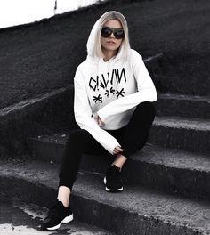 sporty mood / Calvin Klein sweatshirt.