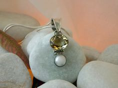 Citrine Quartz. Pearl and Sterling silver pendant.