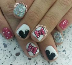 Micky mouse, bow, disneyland nails