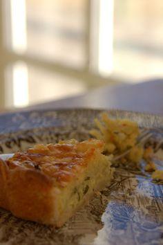 Kartoffeltærte Venter, Desserts, Bruges, Food, Bulgur, Tailgate Desserts, Dessert, Postres, Deserts