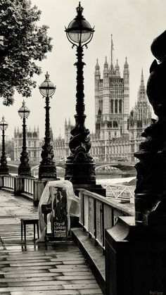 Grey and cloudy London looks so much better photographed in black and white.  Photograph by Hegel Jorge.