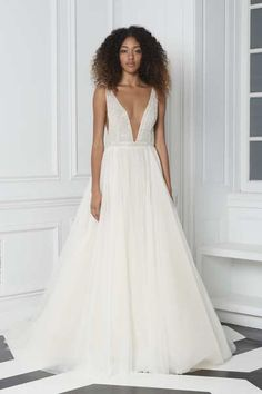6c5bea9eb07 13bliss monique lhuillier fall 2018 look 13 18213 V Neck Wedding Dress