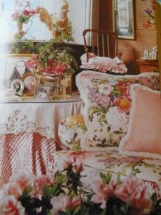 The relaxed, comfortable English Country style brings the outdoors inside with the use of lively and bright floral fabrics, reminiscent of the garden. Description from pinterest.com. I searched for this on bing.com/images