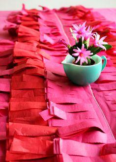 Un precioso camino de mesa, idóneo para una fiesta 5 de Mayo / A gorgeous table runner, ideal for a 5 de Mayo party