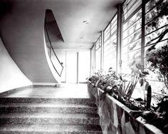 Entrada de una casa en Lomas, Juan O'Donojú 135, Lomas de Chapultepec, México DF 1956 Arq. Vladimir Kaspé - Entryway to a house in Lomas, Lomas de Chapultepec, Mexico CIty 1956