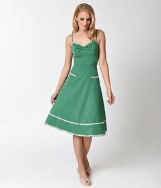 Voodoo Vixen 1950s Style Green & Daisy Delilah Swing Dress
