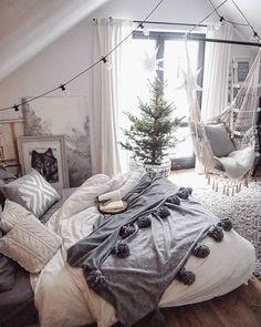 Cozy bedroom decor small bedroom design cozy bedroom theme ideas pictures best winter bedroom ideas on Dream Rooms, Dream Bedroom, Bedroom Small, Trendy Bedroom, Warm Bedroom, White Bedrooms, Bedroom Modern, Minimalist Bedroom, Boho Teen Bedroom