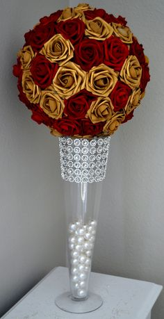 super ideas for wedding colors red and gold flower Gold Wedding Centerpieces, Wedding Table Flowers, Flower Centerpieces, Flower Bouquet Wedding, Centerpiece Ideas, Flower Arrangements, Crown Centerpiece, Branches Wedding, Quinceanera Centerpieces