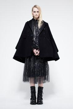 Dice Kayek Pre-Fall 2017 Collection Photos - Vogue