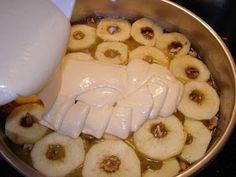 e-Συνταγόκοσμος: Αναποδογυριστή Μηλόπιτα Camembert Cheese, Garlic, Pudding, Vegetables, Desserts, Food, Tailgate Desserts, Deserts, Custard Pudding