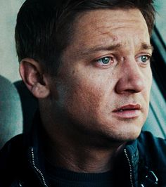 Jeremy Renner as Aaron Cross in The Bourne Legacy,