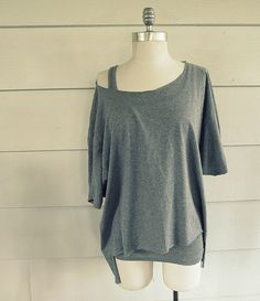 WobiSobi: Open Back, No Sew T-Shirt: DIY  Perfect for over a tank top.