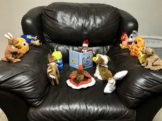 Elf on the shelf. Easy story time.