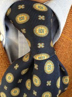 brokeandbespoke:  My first Borrelli tie knot.