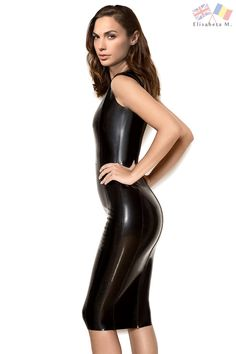 Gal Gadot in latex, if only! Gal Gadot in latex, if only! Mode Latex, Gal Gardot, Looks Pinterest, Hobble Skirt, Chica Fantasy, Gal Gadot Wonder Woman, Latex Dress, Latex Girls, Celebs