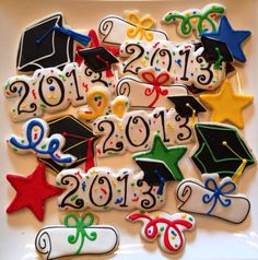 Diploma Cookies - Google Search Iced Cookies, Cute Cookies, Royal Icing Cookies, Cupcake Cookies, Sugar Cookies, Frosted Cookies, Sweet Cookies, Graduation Treats, Graduation Cupcakes