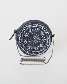 1.2.3 Paris - Les accessoires automne-hiver 2015 - Sac rond à bandoulière avec perles Natasha 69€ #123paris #mode #fashion #accessoire #accessories #clutch #bleu #blue #bijou #jewel Boho Gypsy, Breitling, Jewel, Collection, Accessories, Clutches, Fashion, Bags, Fall Winter 2015