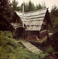 :: The woodsman's house ::