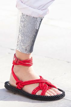 View all the detailed photos of the Isabel Marant spring / summer 2016 showing at Paris fashion week. Rope Sandals, Leather Sandals, Spring Summer 2016, Spring Summer Fashion, Isabel Marant, Only Shoes, Women's Shoes, Spring Shoes, Huaraches