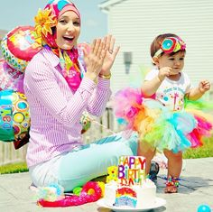 Spotted in a Haute Hijab: Moms and their Kids Edition! - Haute Hijab Hadil in… Muslim Fashion, Hijab Fashion, My Babysitter, Couple Tees, Asian Kids, Mommy And Me Outfits, Hijab Chic, Scarf Design, Girl Inspiration