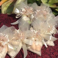 #sofrehaghd #weddingspread #dujeen #maryamsaedsamii #savethedate #weddinggift #wedding #weddingaccessories #unique #iranian #tradition #aroosi #aghd #uniqueaccessories