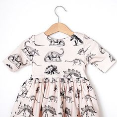 This dress is made of 100% USA grown GOTS certified organic cotton, the highest quality organic material with no harmful chemicals. Buttons