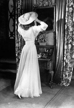 Katharine Hepburn on set of The Philadelphia Story, 1940